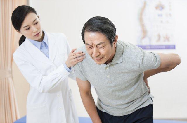 Thoát vị đĩa đệm cột sống thắt lưng nhận biết và điều trị 1
