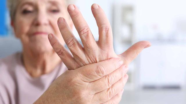 viêm khớp dạng thấp và cách điều trị