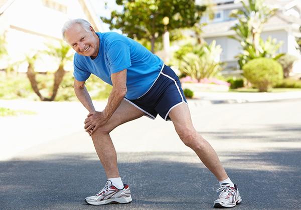 Người thoái hóa khớp gối có nên tập luyện đi bộ không? 2