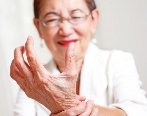 những nguyên nhân gây nên chứng đau khớp cổ tay