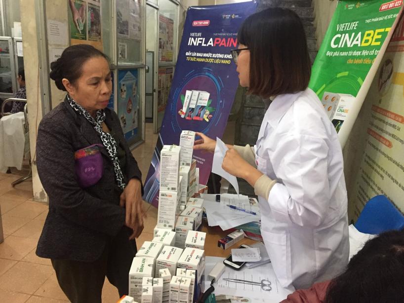 Công ty CP Y Dược Vietlife hợp tác khám chữa bệnh cho người cao tuổi trên địa bàn P. Nguyễn Trãi, Hà Đông, HN 3
