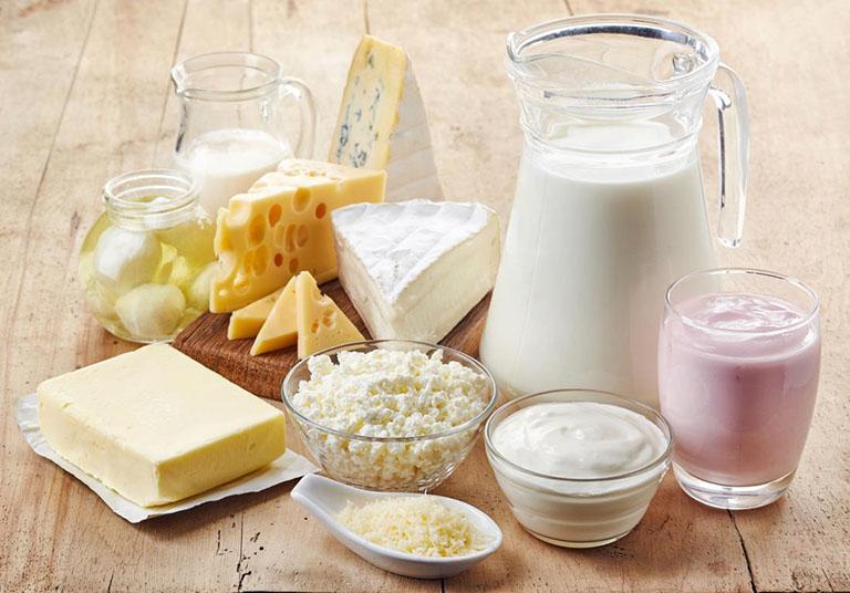 Sữa chứa nhiều canxi giúp tăng cường sức khỏe xương khớp