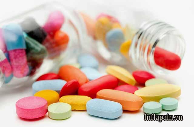Dùng thuốc giảm đau 1