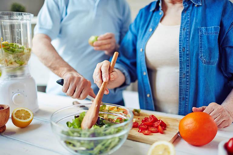 Nên ăn gì để cải thiện tình trạng khô khớp? 1