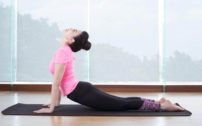 Yoga là bộ môn thể dục rất tốt cho người bệnh viêm khớp gối
