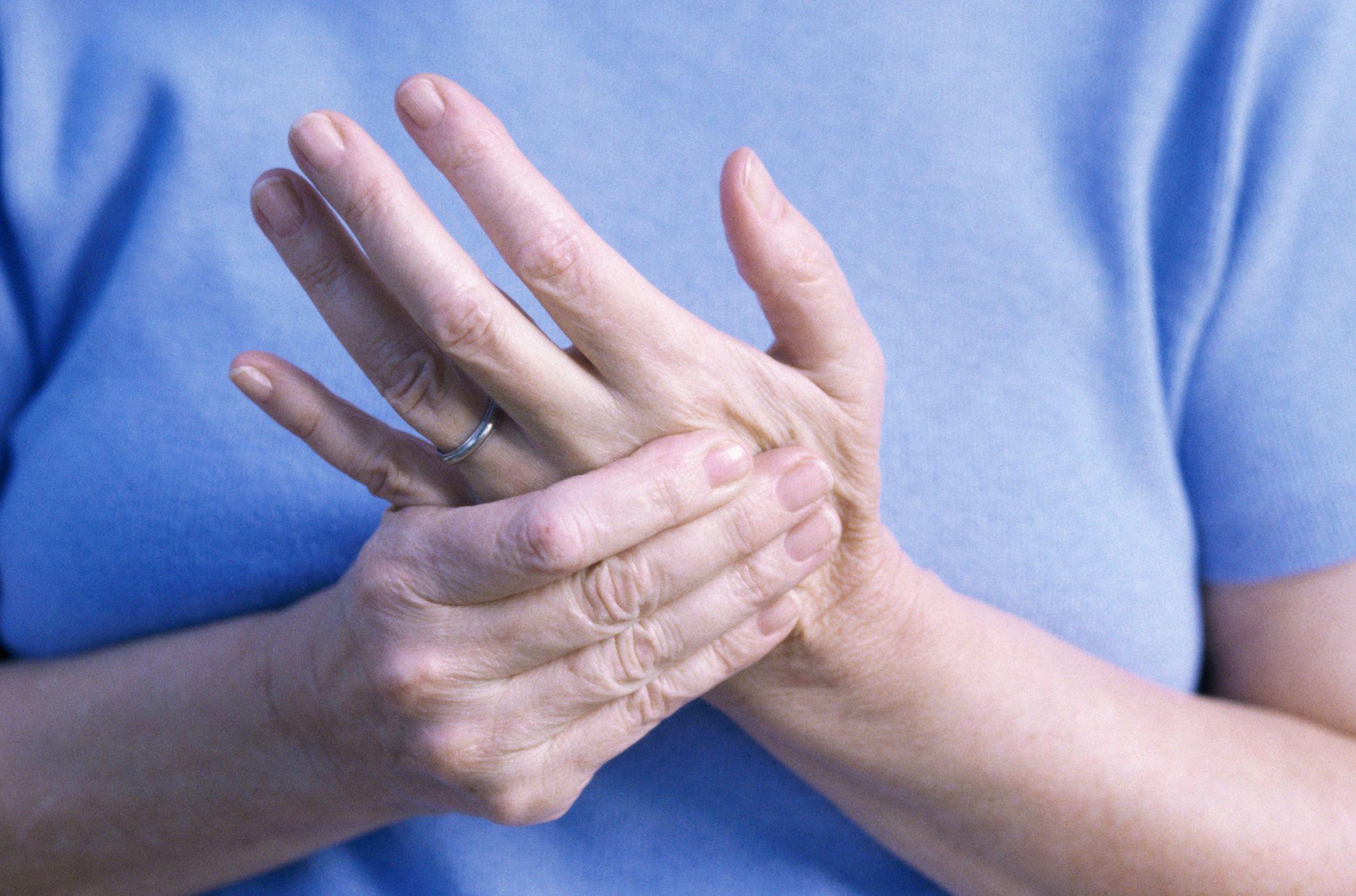 Nguyên nhân viêm khớp ngón tay 1