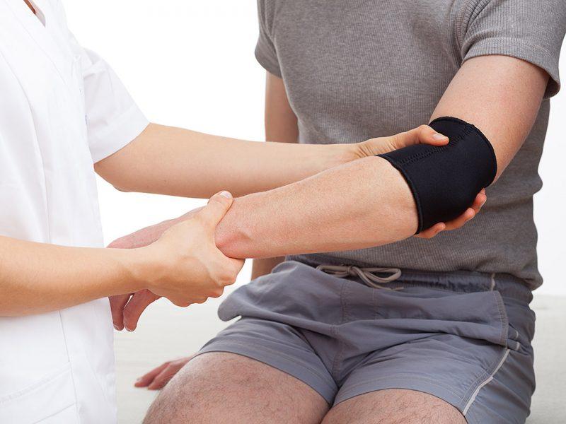 Các phương pháp điều trị viêm lồi cầu ngoài xương cánh tay phổ biến 1